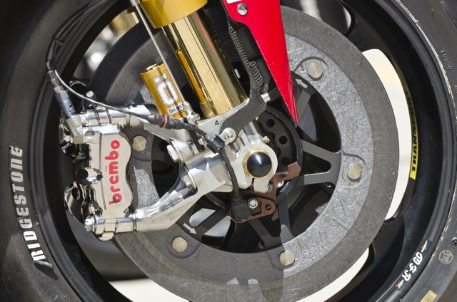Got Brakes? Carbon fibre, Brembo, super stoppers that bring a race bike down to naught like nobody's business?